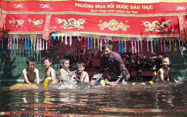 Hà Nội – Rối nước 300 năm ở làng Đào Thục